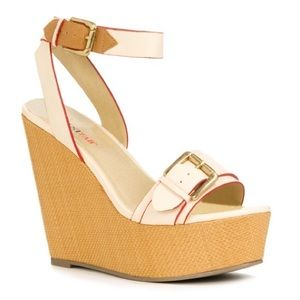 Just Fab • Lucca Wedge